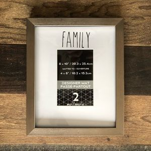 "❤️3/$30 8 x 10 ""FAMILY"" photo frame."